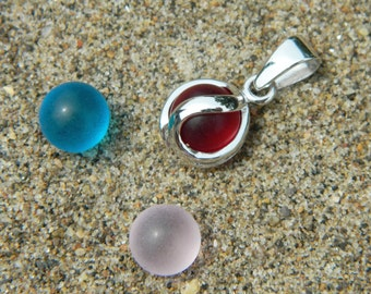 Interchangeable Stone Pendant with three 8mm sea glass stones.