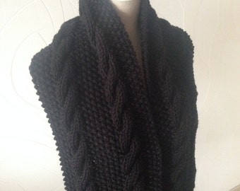Large scarf adorned with pretty TDP teens-woman-adult, black, wool thick soft warm and comfortable