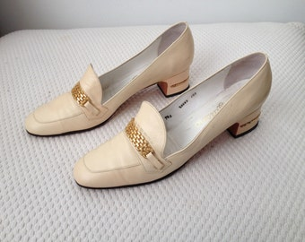 1970's cream loafer look pumps
