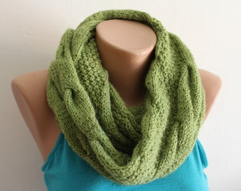 Green scarf/ knitted scarf