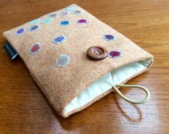 Kindle paperwhite cover, kindle voyage, Fire 6 HD, Nook, Kobo cover case, bubble spots, British tweed