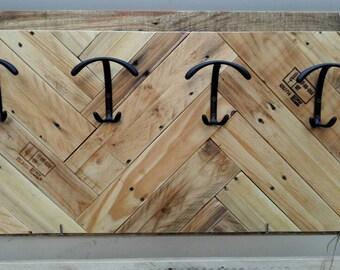 Pallet wood hangers