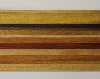 Handcrafted solid wood cutting board 24 x 40 x 2 cm