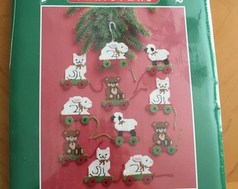 Christmas Plastic Canvas Needlepoint Kit by Bernat
