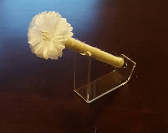 Ivory Flower - Jute-wrapped Rustic Wedding Guest Book Handmade Flower Pen ITEM 177