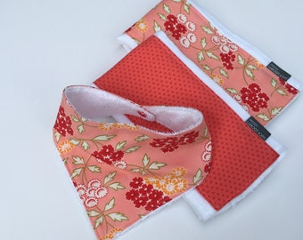 Set of 2 Burp Cloths/Pink Picnic Floral
