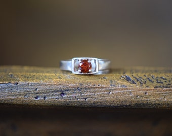Red Gemstone Vintage Rectangle Solitaire Setting Ring, US Size 4.75, Used