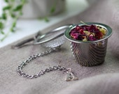 skyn.BLENDS | Personalised stainless steel tea strainer/diffuser with alphabet/letter charm