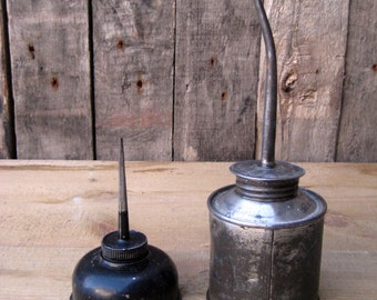 vintage Oilcan/Oil Tin Cans/   2 PCs/Oil dispenser