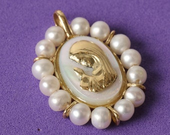 Virgin Medal Gold Pearl