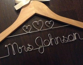 Custom Hanger/Set/Wedding/Bride/Bridesmaid/Bridal Party/Gift/Favor/Personalized/Maid of Honor/Flower Girl/Prom/Communion/Wire/Birthday
