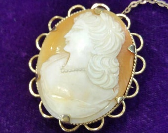 Vintage Rolled gold cameo pendant brooch