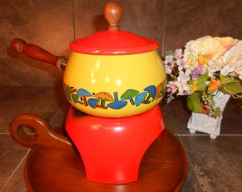 Retro Fondue Pot & Stand