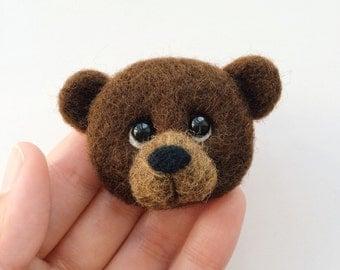 Felt brooch, Needle felted brooch, felt bear, Bear brooch, Little bear