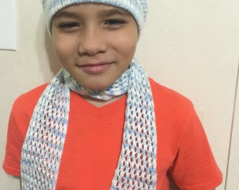 Scarf and hat set.