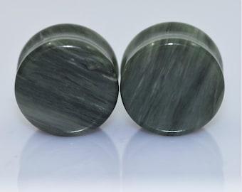 2 Jade Plugs + Natural Real Stone 6-16mm + Green