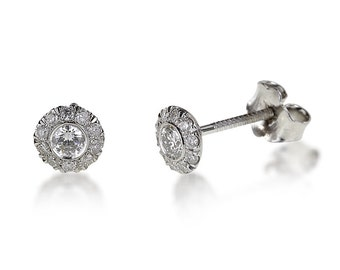 Earrings white gold 14K, diamond weight: 0.30 CT