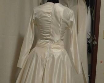 Wedding gown: Arraine