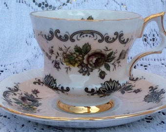 Vintage Windsor Footed Teacup and Saucer