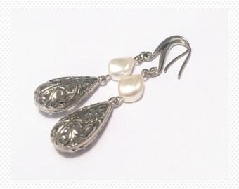 White gold plated bride gift her earrings teardrop Swarovski pearls wedding earrings gift bridal bride vintage dangle flower drop earrings
