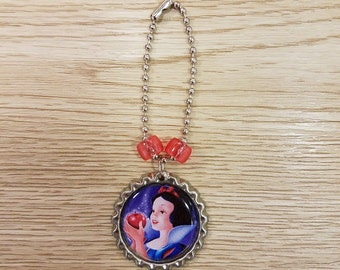 10 - Snow White - Zipper Pull Favors