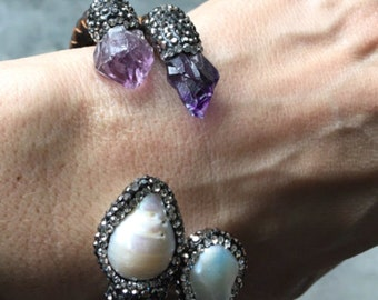 Raw amethyst and fresh water pearl leather bracelet