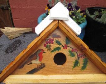 Single Nest Box with Robin & Holly