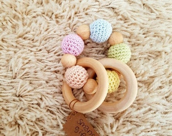 Play ring in pastel colors