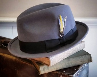 Felt hat in grey