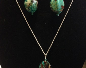 Marbled blue and brown necklace and earring set