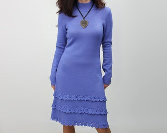 Knitted dress with crochet 2