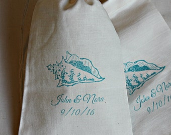 20 Wedding favors Personalized conch shell muslin cotton party favor bags 4x6 inch you choose ink color - Great for weddings, bridal showers