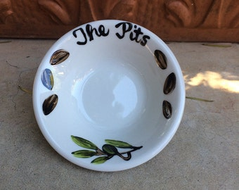 Small THE PITS dish