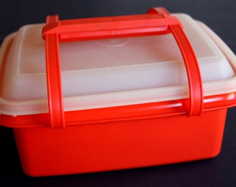 Tupperware Lunchbox with Removable Handle