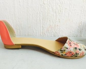 Coral shoe with flower