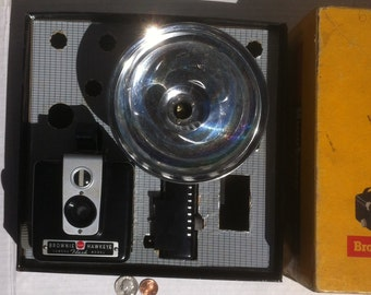 Vintage Kodak Camera, Brownie Hawkeye Flash Outfit, no Bulbs, Just Box, Camera and Flash Unit, all Bulbs are Gone, Vintage Display, Collect