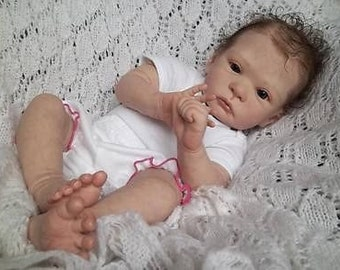 Sweet Pea reborn doll kit by Laura Lee Eagles awake