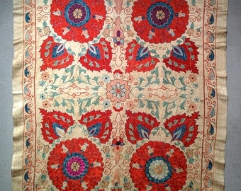 Uzbekistan Silk Table Cloth, 100% Silk on Silk, Suzani, Floral motif, Elegant