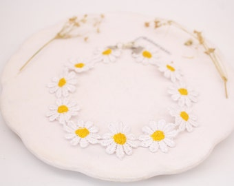 Daisy Lace Choker/ Flowers for your style/ 90s look/ Springlike style