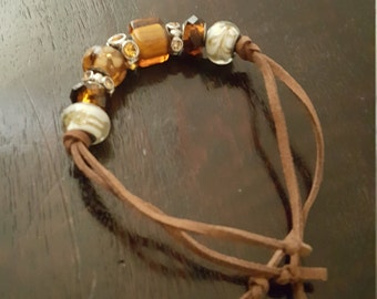Brown bead and suede bracelet