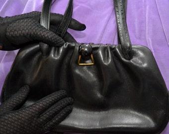 Vintage handbag leather 40