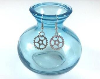 Dangle Gear Earrings-Great Steampunk Fashion Design