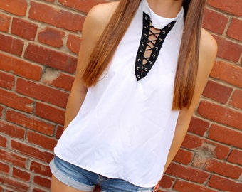 White built in choker lace up