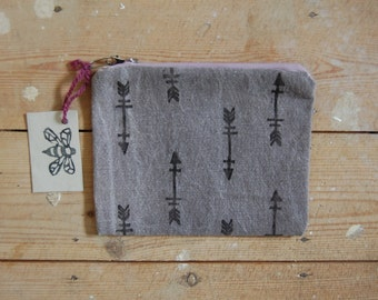 Arrow print zip pouch