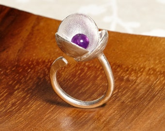 Silver ring big flower (Amethyst or Freshwater Pearl)