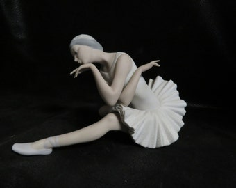 Retired Lladro # 4855 Death Of The Swan Ballerina- Matte Finish- Good Vintage Condition-Is Missing Thumb on Right Hand