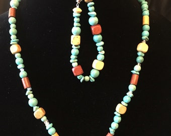 Wood and turquise beaded necklace and bracelet set