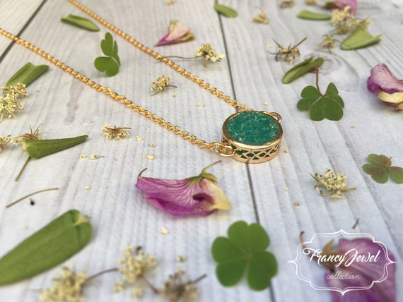 Green quartz crystal necklace, green stone, precious stone, 18k gold plated, druzy, crystal pendant, wedding gift, bridesmaid gift