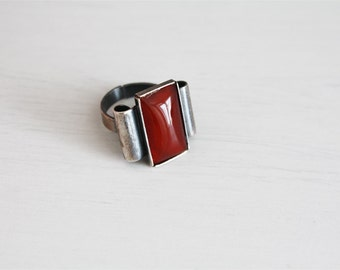 Vintage ring with red rectangular stone, adjustable, 60 years
