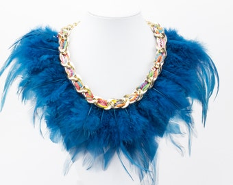 Blue feather collar Ref: C0193